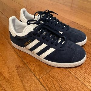 BRAND NEW Women's Adidas Suede Gazelle Shoes